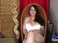 Sexy Curvy Cindie